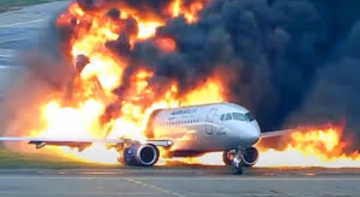 بعد مضي عام: روسيا تفرج عن فيديو الطائرة المحترقة